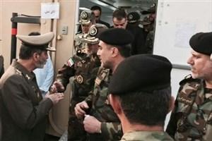 بازدید امیر موسوی از بیمارستان صحرایی و کانکس های اضطراری نزاجا