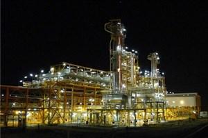 نیازی به سرمایه گذاری خارجی نداریم/ تولید روزانه 12 میلیون لیتر بنزین یورو5 در ستاره خلیج فارس تثبیت شد