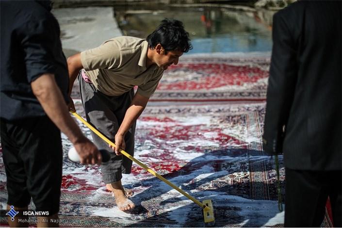 شستن قالی در چشمه علی