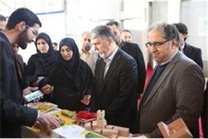 بازدید وزیر فرهنگ و ارشاد اسلامی از سومین نمایشگاه کالاهای فرهنگی