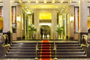 تاثیرپذیری صنعت گردشگری از افزایش قیمت بنزین و نرخ مالیات/  آیا شب عید هتلها گران می شوند؟