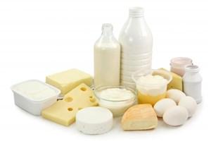 برخورد با احتکار تخممرغ/ بازگشت قیمت لبنیات گرانشده