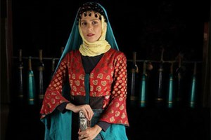 قصههای ایرانی را به زبانهای خارجی روایت کنید