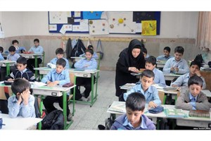 اولویت تدریس در مدارس صیانت از فرهنگ ملی و زبان فارسی است