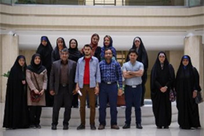 تدریس دوره پیشرفته رمان با حضور احمد دهقان
