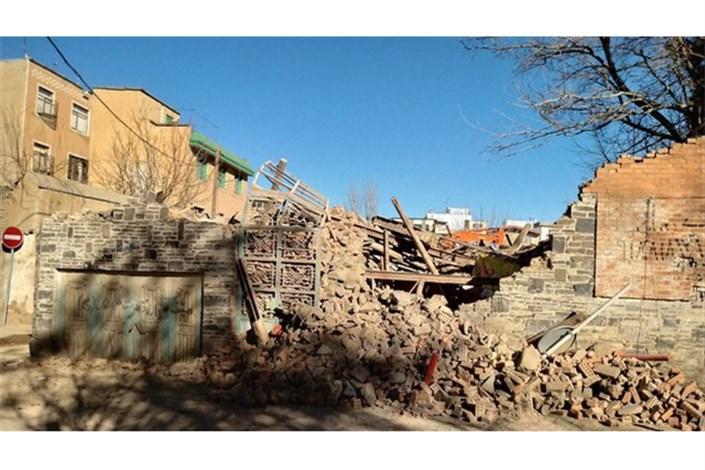 میراث فرهنگی تهران همه را شوکه کرد؛ خروج خانه نیما از ثبت/شهرداری همدان به بافت تاریخی میدان امام  زد