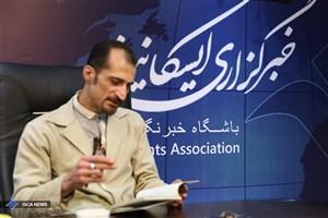 همه شاعران پیرو نیما هستند/بهمنی شاعر مهمی نیست
