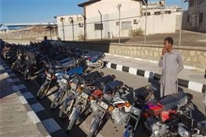 اجرای طرح پایش و کنترل تردد موتورسیکلت به محوطه های بندری در بندر چابهار+ عکس