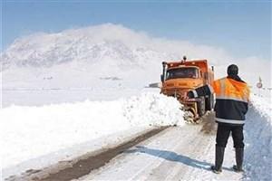 بازگشایی راه های روستایی محاصره در برف شهرستان هشترود