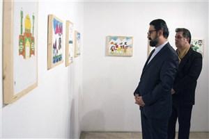 معاون امور هنری از نمایشگاه کودکان مناطق زلزله زده در نیاوران دیدار کرد