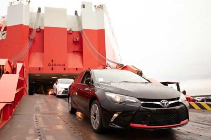قیمت خودرو در بازار متعادل می شود/ تصمیم وزارت صنعت برای ساماندهی واردات درست بود