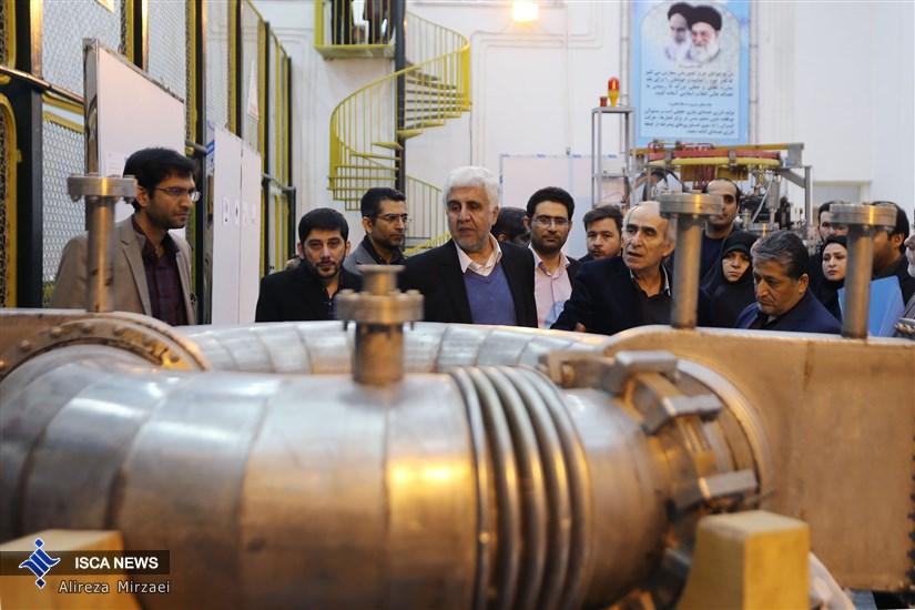 بازدید دکتر فرهاد رهبر از واحد علوم و تحقیقات دانشگاه آزاد اسلامی