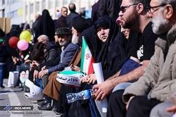 حاشیه های دیدنی راهپیمایی پر شکوه 22 بهمن