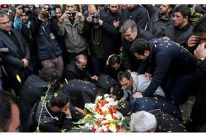 تشییع پیکر سه شهید در ستاد فرماندهی نیروی انتظامی