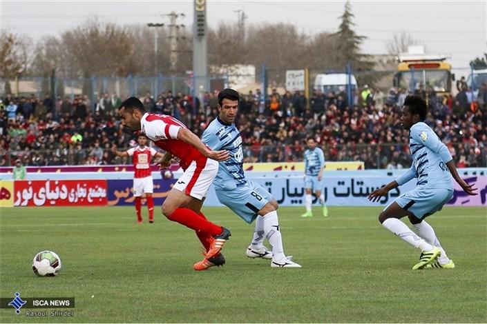 تساوی یک نیمه ای نفت تهران و صنعت نفت آبادان