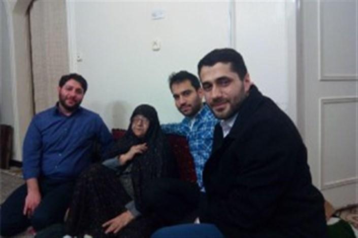 عیادت دست اندرکاران جشنواره عمار از «ننه عصمت»