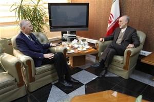 احسان اوغلو با رئیس سازمان انرژی اتمی دیدار و گفتگو کرد