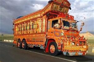 نقاشی کامیون یکی از سبک های محبوب تزئینی در جنوب آسیا