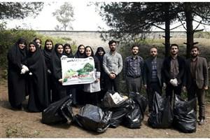 پاکسازی محیط زیست توسط اعضای کانون های دانشجویی  دانشگاه آزاد اسلامی واحد بندرانزلی
