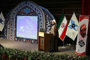 اعجاز قرآن باید با ارزش های هنری در جامعه  بیان شود