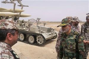 بازدید فرمانده کل ارتش از آمادگی یگانهای پدافند هوایی منطقه جنوب غرب کشور
