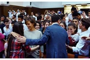 بازدید بشار اسد و همسرش از مدرسه دخترانه+ فیلم