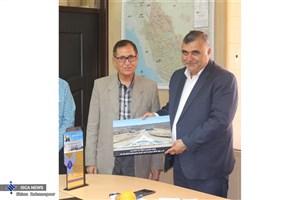 قدردانی هیات دانشگاه آزاد اسلامی اوز از مدیر کل راه و شهرسازی لارستان