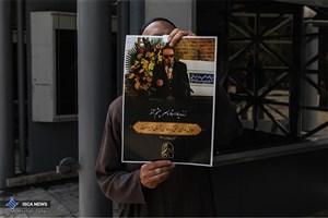 سریر: آثار ناصر چشم آذر نغمه های متفاوتی دارد