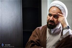 در آمفی تئاترهای دانشگاه آزاد اسلامی،  فیلم های فاخر انقلابی و ارزشی پخش می شود