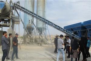 بازدید دانشجویان دانشگاه آزاد اسلامی اوز از مراکز صنعتی گراش و اوز