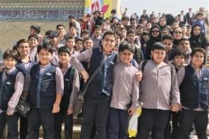 حضور 35000 دانش آموز در نمایشگاه بین المللی کتاب تهران