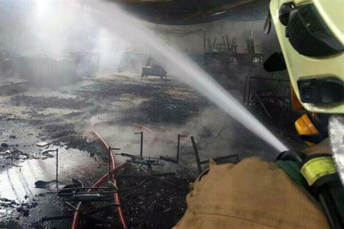 آتشسوزی انبار مبلمان در دوکوهک شیراز