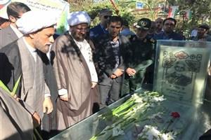 تجدید میثاق نماینده جدید ولی فقیه در فارس با شهدا