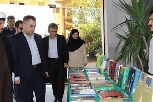 نمایشگاه کتاب شهدا و دفاع مقدس در دانشگاه آزاد اسلامی واحد رشت برگزارشد
