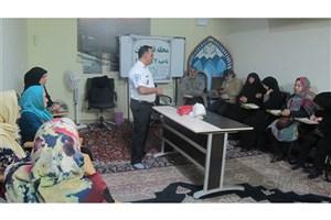 آموزش کمک های اولیه  به  شهروندان ساکن مرکز شهر