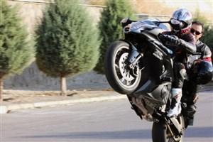 پلیس با موتورسیکلت های سنگین بدون مجوزبرخورد می کند