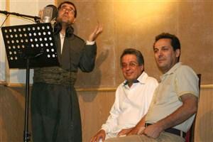 ارسلان کامکار: پیام عزیزی خوان آسمانی را اجرا کرد
