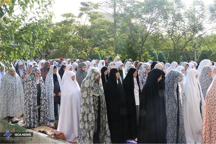 نماز عید فطر در مسجد ١٤ معصوم