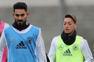 افنبرگ: اوزیل و گوندوعان باید از تیم ملی آلمان اخراج شوند