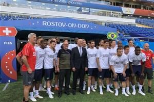 حضور رئیسجمهور سوئیس در تمرین تیم ملی کشورش پیش از مصاف با برزیل