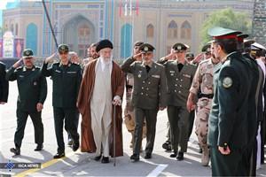 رهبر معظم انقلاب در دانشگاه امام حسین(ع) حضور یافتند