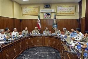 برگزاری نشست هم اندیشی فرمانده کل ارتش با درجهدارن نزاجا
