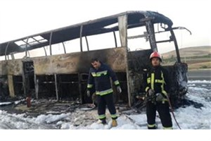 اتوبوس تهران - مریوان کاملا در آتش سوخت+عکس