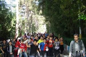 رهبر انقلاب: دل فرهنگیان و دانش آموزان به همین اردوگاه خوش است