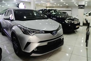 خودروهای ثبت سفارش جعلی از نمایشگاههای تهران جمع میشوند؟