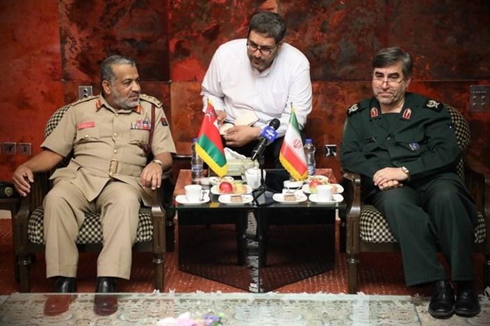 معاون امداد و بهداشت سپاه و هیئت پزشکی نیروهای مسلح عمان بر توسعه همکاریها و مناسبات در حوزه امداد، بهداشت و آموزش پزشکی بین دو طرف تاکید کردند.