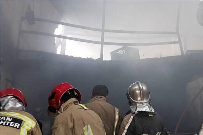 آتش سوزی در کارگاه تولید مبل