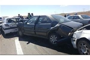 در تصادف زنجیره ای جاده هراز 11 نفر مصدوم شدند