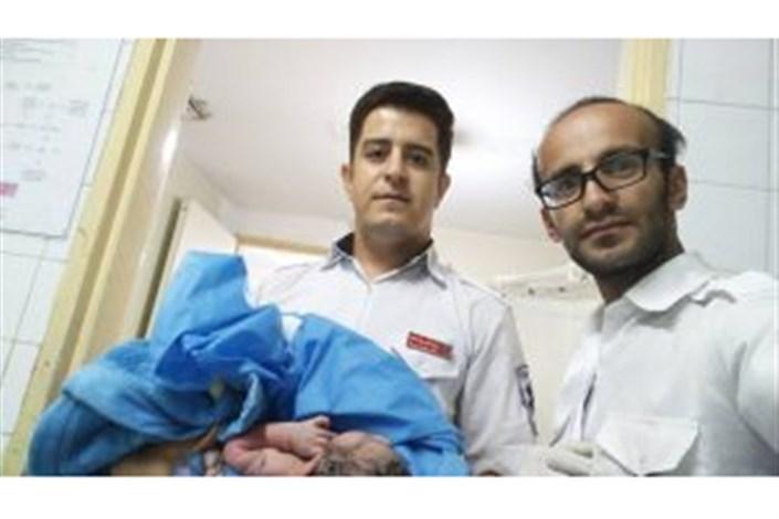 اولین تولد شهریور ۹۷ در آمبولانس ۱۱۵