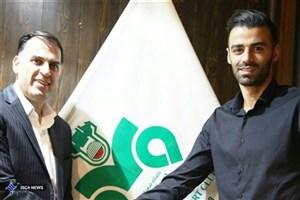 آذری: حسنزاده بدون دریافت یک ریال پول از ذوبآهن جدا شد